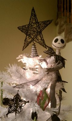 Jack Skellington tree topper from The Nightmare Before Christmas, Christmas Tree. Dark Christmas, The Night Before Christmas, Disney Christmas, Christmas Themes, Christmas Crafts, Crochet Christmas, Christmas Lights, Christmas Ornaments, Costume Halloween