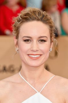 Makeup artist Rachel Goodwin is behind the best of the SAG Award's beauty looks, as seen on Brie Larson...