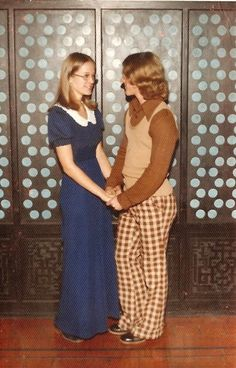 70s teen fashion: High School Dance Photos