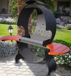 Space ship or bbq? Metal Fire Pit, Diy Fire Pit, Oil Drum Bbq, Bbq Smoker Trailer, Brick Bbq, Fire Pit Grill, Pizza Oven Outdoor, Grill Design, Barbecue Grill