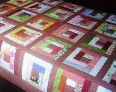 Colcha de solteiro, cores variadas.  Patchwork 100% algodão.   Manta acrílica.   Forro 180 fios.
