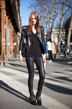 streetstyle - shrink wraps pants , black top, and leather jacket <3 Fashion Style