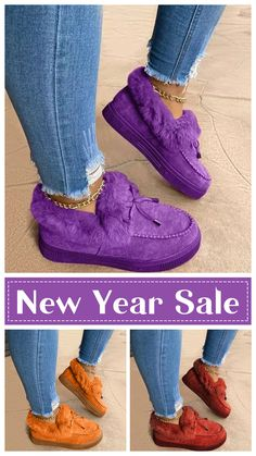 Flat Heel Boots, New Years Sales, Boot Brands, Bow Sneakers, Chanel Black, Fashion Flats, Snow Boots, Boat Shoes, Bad Gal