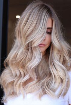 50 Best Hair Colors - New Hair Color Ideas & Trends for 2020 - Hair Adviser - 50 Best Hair Colors – New Hair Color Ideas & Trends for 2020 – Hair Adviser Soft Pearly Blonde Balayage Blonde Hair Looks, Brown Blonde Hair, Light Brown Hair, Light Hair, Blonde Ombre Hair Medium, Long Blond Hair, Healthy Blonde Hair, Long Curly, Red Hair