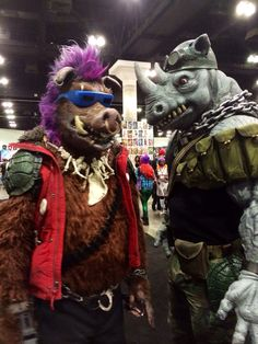 TMNT's Bebop and Rocksteady cosplay (taken at Comikaze 2014)... Do any of you know these awesome cosplayers?