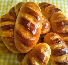 Panecillos de leche Bread, Sweet, Health Recipes, Pastries, Food, Instagram, Beer Batter, Dinner Rolls, Fairy Cakes
