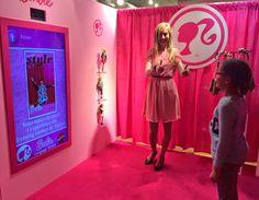 Focus sur le dressing virtuel de Barbie !   La Minute Retail 換衣拍照