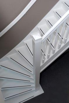 Met onze hardhouten trap Turijn krijgt u een trap van wereldklasse. Eentje die echt een blik vanger in uw woning is en altijd op maat gemaakt word.