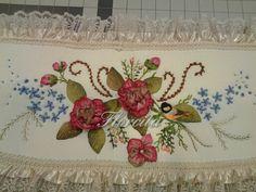 Silk ribbon embroidery!... Birdhouse bathroom set. USA. 2