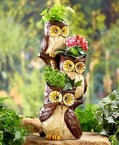 This Stacked Animal Planter is an exciting way to put favorite flowers on display. It features a trio of delightful creatures stacked one on top of the other.