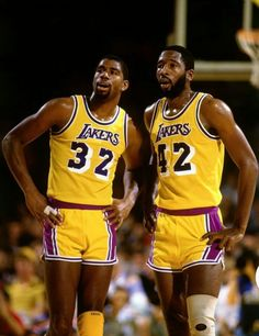 Magic & Worthy Basketball Pictures, Love And Basketball, Sports Basketball, Basketball Players, Basketball Jones, Nba Stars, Sports Stars, Larry Bird, Showtime Lakers