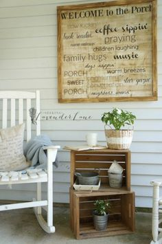 15 Farmhouse Style Front Porch Ideas - Screened In Porch Decorating Ideas Small Front Porches, Farmhouse Front Porches, Decks And Porches, Country Porches, Summer Front Porches, Country Porch Decor, Rustic Porches, Country Patio, Southern Porches