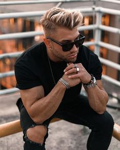ᵂᴱᴿᴮᵁᴺᴳ Live what you love. It's all up to you 🖤 . Cool Mens Haircuts, Cool Hairstyles For Men, Mens Hairstyles Blonde, Men's Hairstyles, Alex Storm, Bleached Hair Men, Hair And Beard Styles, Hair Styles, Men Hair Color