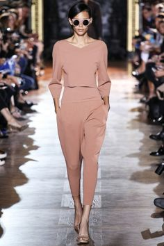 Stella McCartney Spring 2014 RTW - Runway Photos - Fashion Week - Runway, Fashion Shows and Collections - Vogue Fashion Week, Runway Fashion, High Fashion, Fashion Show, Fashion Looks, Paris Fashion, Review Fashion, Stella Mccartney, Looks Street Style