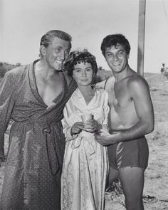 Kirk Douglas, Jean Simmons and Tony Curtis on the set of Spartacus 1959