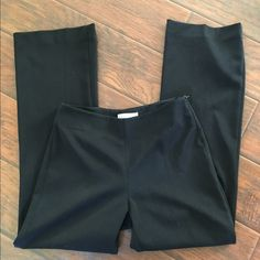 White House black market wide leg pants In excellent condition. I'm not sure if these have ever been worn! They look great. Side zip, wide leg, no pockets. 30 inch inseam. Thanks for looking. White House Black Market Pants Wide Leg