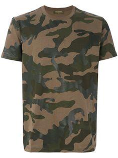 Valentino Rockstud Untitled Camouflage T-shirt Man Military Green Cotton Xl In Camo Valentino Men, Valentino Rockstud, Valentino Camouflage, Camouflage T Shirts, Men's Vans, Vans T Shirt, Italian Home, New Sign, Italian Fashion