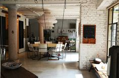 Méchant Design: white brick walls...