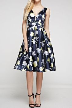 Flower print v-neck dress with back zipper. Pair with strappy sandals and pearls.   The Caila Dress by Ina. Clothing - Dresses - Midi Clothing - Dresses - Floral Minneapolis, Minnesota