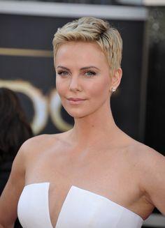 Sobre la alfombra roja de esta edición de los Oscars 2013, pocas son las actrices que podemos ver con el cabello corto pero si tenemos que quedarnos con una ...