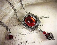 Red Renaissance Necklace, Ruby Jewel Necklace, Tudor Costume, Medieval Wedding, Ren Faire, Renaissance Pendant Necklace, Ready to Ship