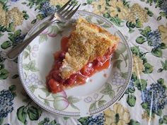 Natural and Free: Strawberry-Rhubarb Pie (Soy, Nut and Fish-Free, Can Be Wheat, Milk and Egg-Free)