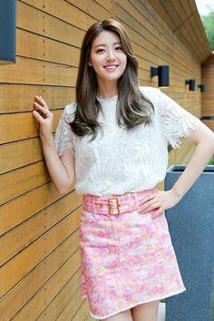 Nam ji hyun Girls Fashion Clothes, Girl Fashion, Fashion Outfits, Korean Actresses, Korean Actors, Nam Ji Hyun Actress, Korean Beauty, Asian Beauty, Shopping King Louis