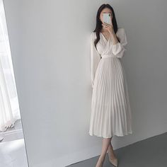 Korean Fashion Dress, Ulzzang Fashion, Kpop Fashion Outfits, Modest Fashion, Skirt Fashion, Fashion Dresses, Modest Outfits, Classy Outfits, Pretty Outfits