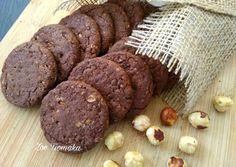 Σοκολατένια μπισκότα Βρώμης με Φουντούκια συνταγή από τον/την Zoe Tsomaka - Cookpad Cookie Recipes, Diet Recipes, Biscuit Cookies, Art For Kids, Cupcake Cakes, Sausage, Biscuits, Bakery, Easy Meals