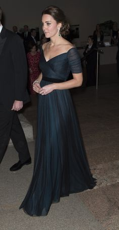 Pin for Later: Kate Middleton Shows Off Her Baby Bump at a Superglam NYC Gala Estilo Kate Middleton, Kate Middleton Photos, Kate Middleton Style, Jenny Packham, Duke And Duchess, Duchess Of Cambridge, Duchess Kate, Kate And Pippa, Pregnancy Looks