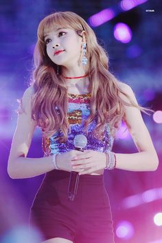 Lalisa Manoban: Interesting Facts About The Thai Princess Of Blackpink Blackpink Lisa, Jennie Lisa, Kpop Girl Groups, Korean Girl Groups, Kpop Girls, Yg Entertainment, First Girl, My Girl, Banda Kpop