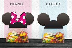 Préparez et offrez ces petits sachets surprises de Mickey et Minnie que vous remplirez de sucreries ou de cadeaux !