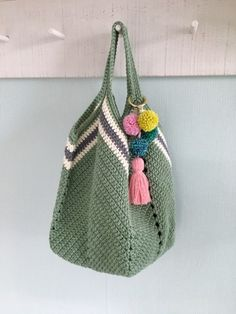 Soft Rope Tote Bag pattern by Andrea Marton Crochet Beach Bags, Crochet Market Bag, Love Crochet, Knit Crochet, Crochet Handbags, Crochet Purses, Pom Pom Bag Charm, Granny Square Bag, Crochet Shoulder Bags