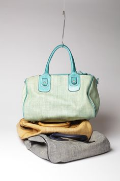 Pretty,Charmant, straw bags!