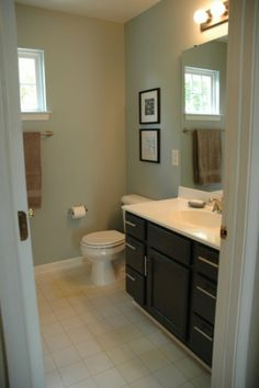 Does Paint Color Really Matter When Selling Your Home? Great before and after pictures.