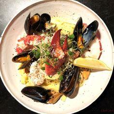 Skaldjurspasta.  www.jojoskok.se Paella, Mango, Ethnic Recipes, Food, Cilantro, Lasagna, Manga, Essen, Meals
