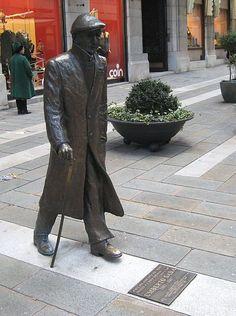 Umberto Saba can be found in Via Dante Alighieri in  #Trieste #bestoftrieste