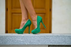 In this autumn I want to live /// Этой осенью хочется жить | TheCabLook Darya Kamalova fashion outfit style heels high green