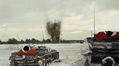 E assault guns advance on Soviet positions while laying down high explosive fire support. Infantry advance closely behind using the StuGs as mobile cover. Luftwaffe, Eastern Front Ww2, Ww2 Photos, Ww2 Pictures, Colorized Photos, Germany Ww2, Tank Destroyer, Armored Fighting Vehicle, Ww2 Tanks
