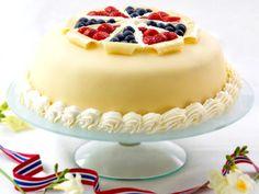 17.mai-marsipankake....May 17-marzipan cake