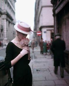 Suzy Parker Hydrangea, pour ELLE, Spring collection, Paris (1953) by Georges Dambier