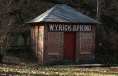 Wyrick Spring house as it's seen today. Wytheville Virginia, Spring Home, Great Pictures, Old Houses, Picture Frames, Gazebo, Cabbage Head, Places To Visit, Old Things