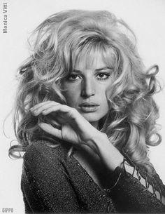 • Hairstyle years 60's 70's • Girls & women vintage fashion 1960s 1970s monica vitti