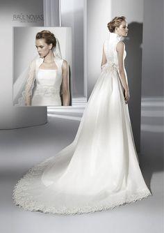 Raul Novias Spring 2013 Bridal Collection via fashionbride.wordpress.com