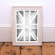 1199 EXMOUTH DISTRESSED WHITE PICTURE FRAME 32MM - Trade prices,Next Day Delivery,Bulk Discount