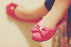 bow ballet flats - wardrobe staple, love this color! #shoes #fashion #pretty #pink
