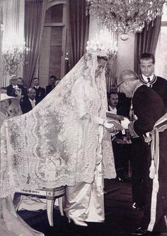 wedding veils made in brussels | ... Order of Sartorial Splendor: Wedding Wednesday: Queen Paola's Gown