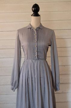 Day Dress / Early Dress / Dusty Blue / Peck and Peck / Polka Dot Dress / Vintage Shirtwaist Dress 1960s Dresses, 1960s Outfits, Day Dresses, Vintage Dresses, Nice Dresses, Vintage Outfits, Summer Dresses, 1960s Fashion, Vintage Fashion