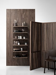 What we crave right now: darker wooden tones in the kitchen🤎 Scandinavian Shelves, Scandinavian Furniture, Scandinavian Design, Built In Shelves, Metal Shelves, String System, Modular Shelving, Improve Yourself, Storage