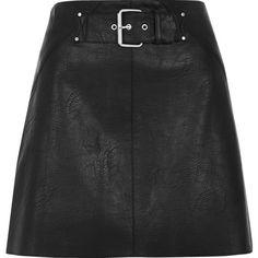 River Island Black side stripe buckle mini skirt (516.305 IDR) ❤ liked on Polyvore featuring skirts, mini skirts, river island, faux leather mini skirt, vegan leather mini skirt, mini skirt and short skirts
